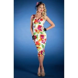 (Stop Staring!) Camilia Summer Floral Wiggle Dress
